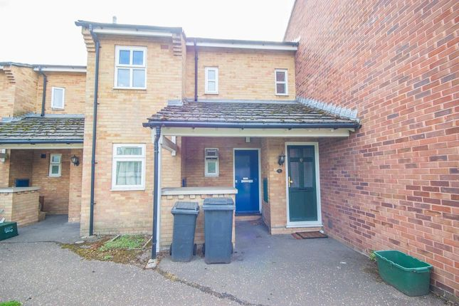 Thumbnail 1 bed maisonette for sale in Baddow Road, Nr City Centre, Chelmsford
