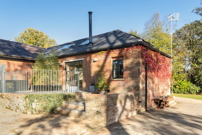 Thumbnail Property to rent in Scabharbour Road, Hildenborough, Tonbridge