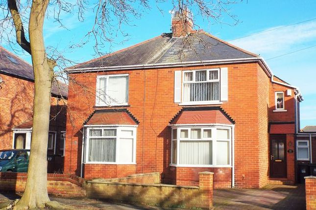 2 bed property to rent in Hollywell Road, North Shields