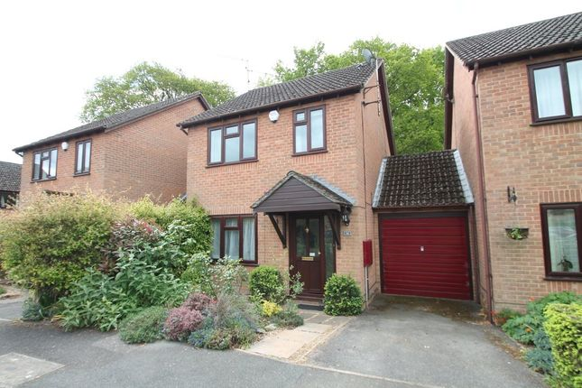 3 bed link-detached house to rent in Vermont Woods, Finchampstead, Wokingham