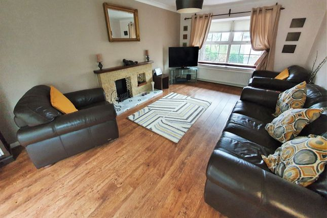 Lounge of Vincent Close, Western Park, Leicester LE3