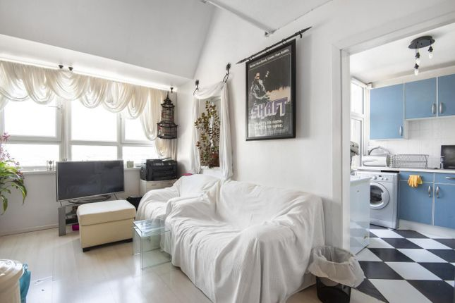 Thumbnail Flat for sale in Grantham Road, Oval