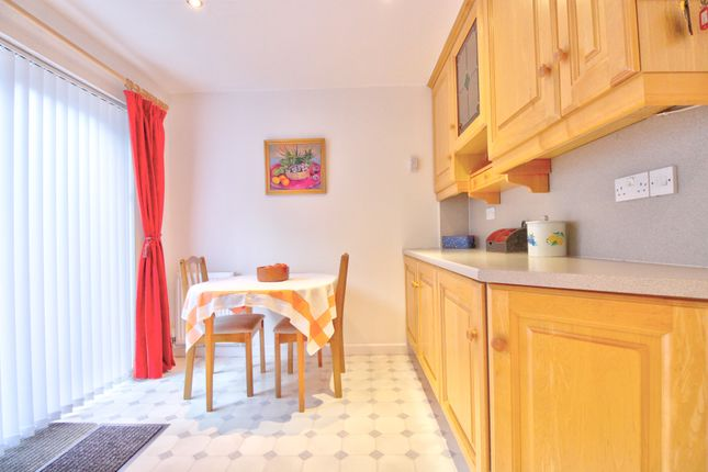 Dining Area of Sett Close, Bovey Tracey, Newton Abbot TQ13