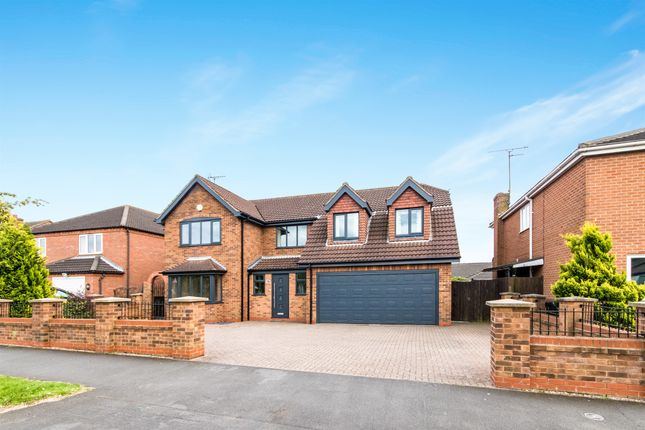 Thumbnail Detached house for sale in Barrowby Gate, Grantham
