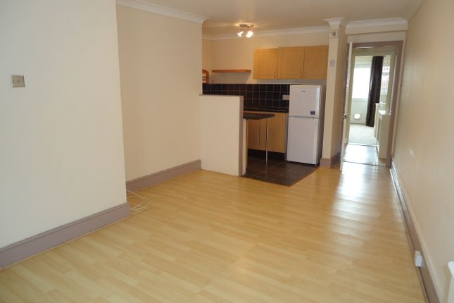 1 bed flat to rent in George Street, Portsmouth