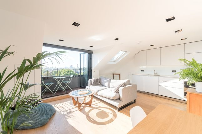 Thumbnail Flat to rent in Steeles Road, London