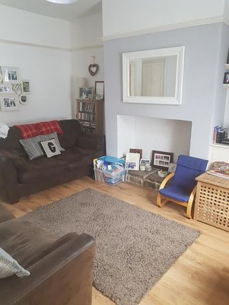 2 bed terraced house to rent in Guycroft, Otley