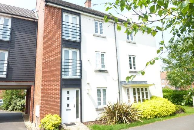 Thumbnail Property to rent in Barrington Drive, Basingstoke