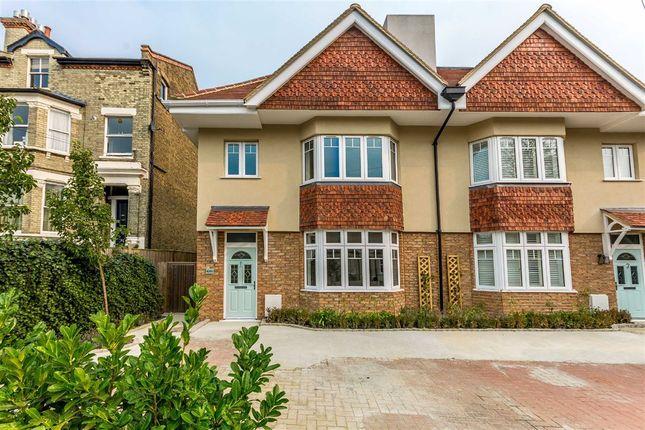 Thumbnail Property to rent in King Charles Road, Berrylands, Surbiton