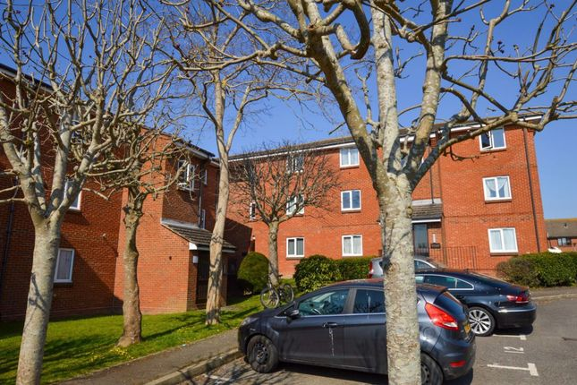 1 bed flat to rent in Churchdale Road, Eastbourne BN22