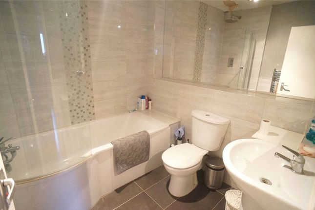 Bathroom of Louise Court, 11 Devonshire Road, Bexleyheath DA6