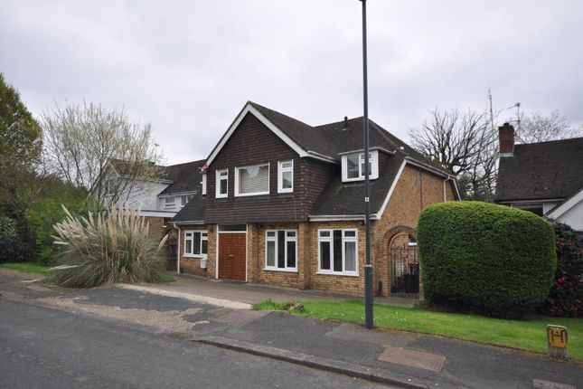 Thumbnail Detached house to rent in The Squirrels, Pinner, Middlesex