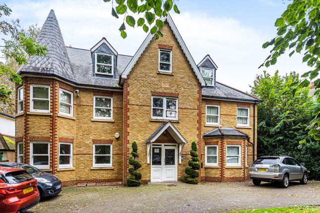 3 bed flat for sale in Lawn Road, Beckenham BR3