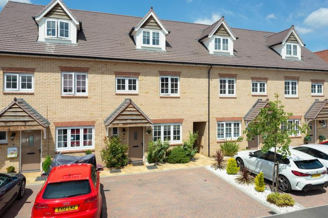 Terraced house for sale in Thomas Road, Aylesford
