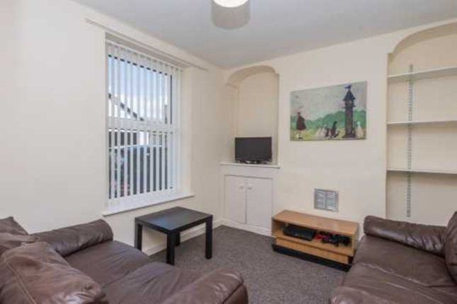 Thumbnail Shared accommodation to rent in Field Street, Bangor