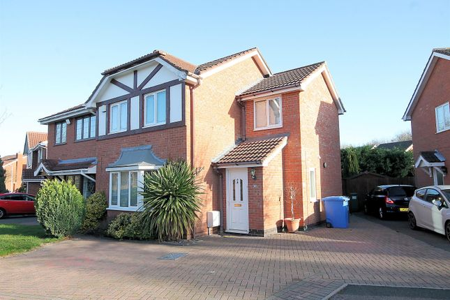 Semi-detached house in  Surrey Drive  Fazeley  Tamworth  Birmingham