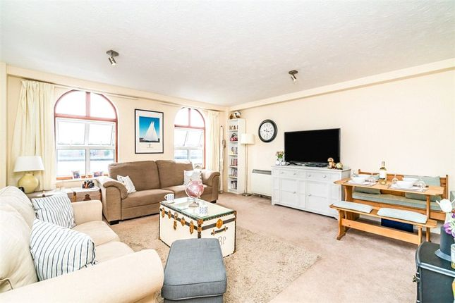 Thumbnail Flat for sale in Andes Close, Southampton, Hampshire