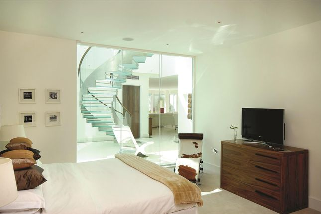 Thumbnail Flat to rent in The Horizons, West Heath Road, Hampstead