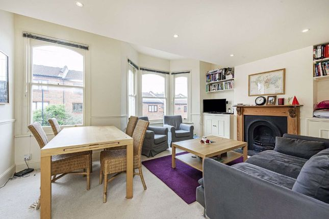3 bed flat to rent in Solon Road, London SW2