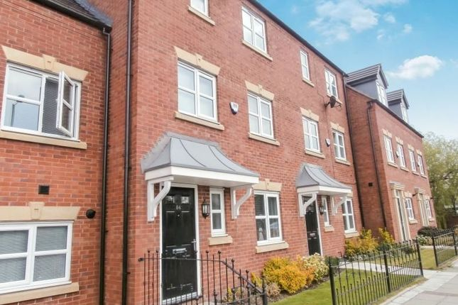 Thumbnail Property to rent in Manchester Road, Hyde