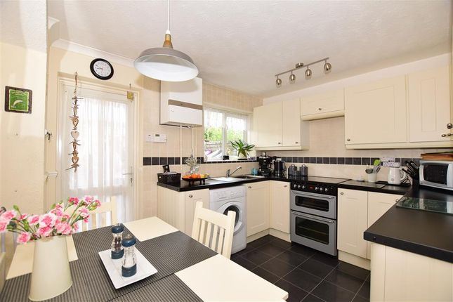 Thumbnail Town house for sale in Lakeside, Snodland, Kent