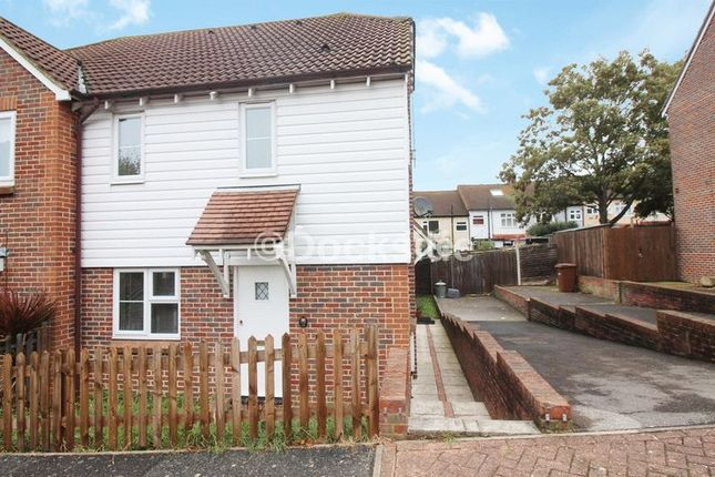 Thumbnail Terraced house to rent in Carpenters Close, Rochester