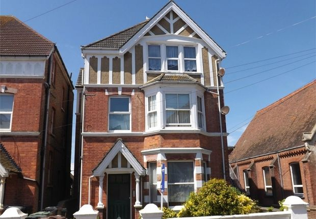 Thumbnail Flat to rent in Clifford Road, Bexhill-On-Sea, East Sussex