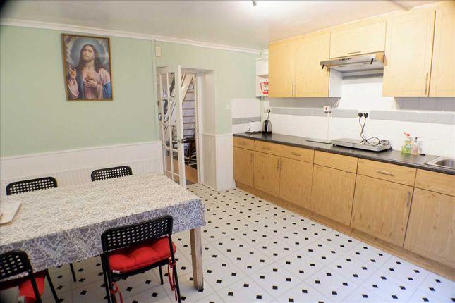 Kitchen/Diner of Penygraig Road, Penygraig, Tonypandy CF40