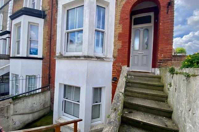 2 bed flat to rent in Cobham Street, Gravesend DA11