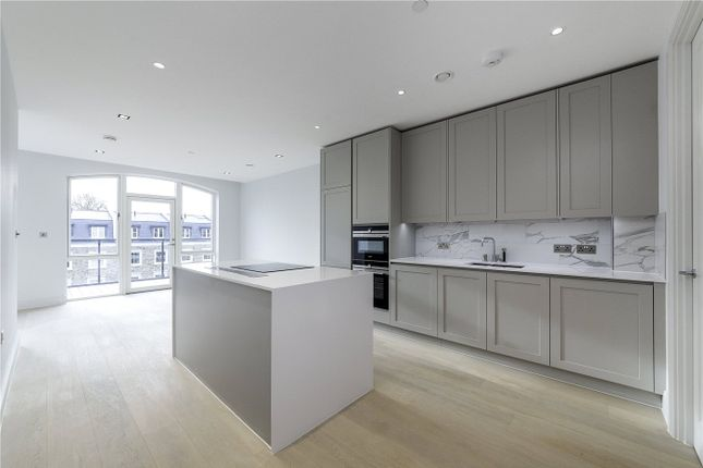 2 bed flat to rent in Renaissance Square Apartments, Palladian Gardens, Chiswick, London