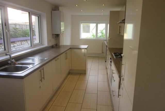 Thumbnail Terraced house to rent in Fleet Street, Swansea