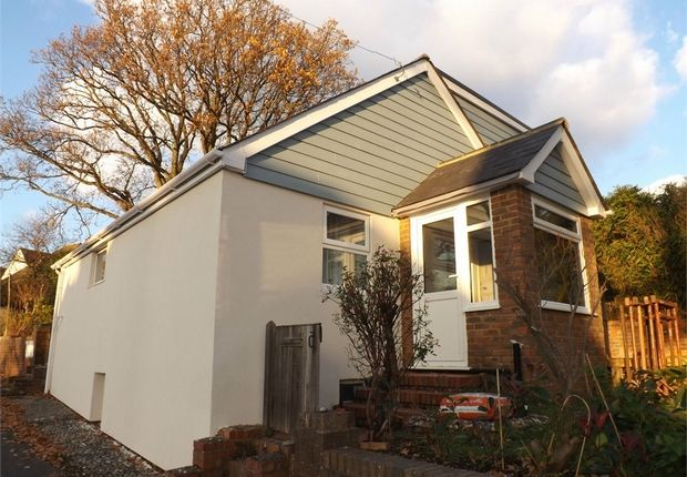 Thumbnail Cottage to rent in Peartree Lane, Bexhill-On-Sea, East Sussex