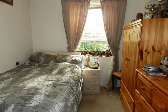 Bedroom of Chestnut Court, Southampton SO17