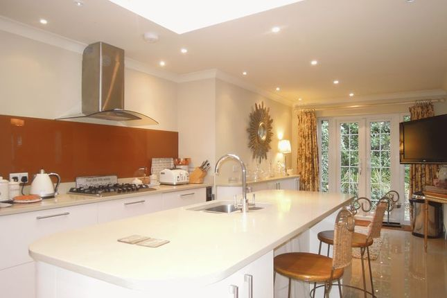 Thumbnail Detached house to rent in Langley Road, Langley, Slough