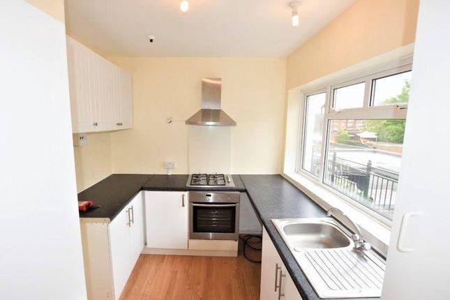 Thumbnail Maisonette to rent in Convent Road, Ashford