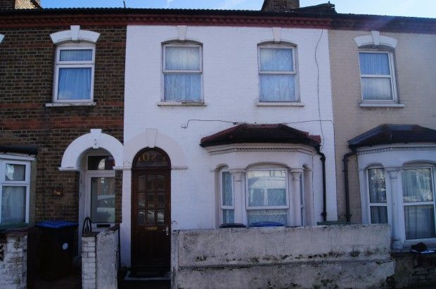 Thumbnail Terraced house for sale in Hertford Road, London