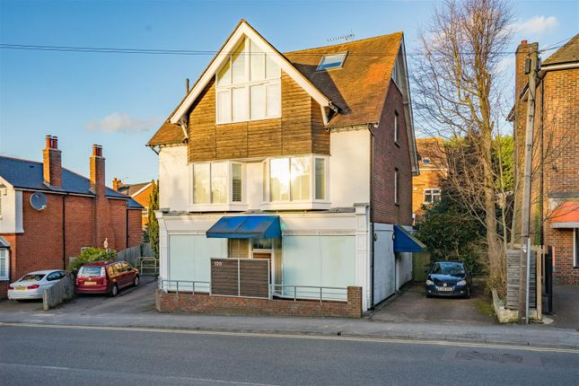 Thumbnail Flat for sale in London Road, Sevenoaks