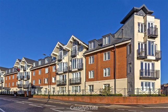 Thumbnail Flat for sale in London Road, St Albans, Hertfordshire