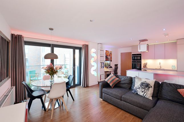 Thumbnail Flat to rent in Montreal House, Maple Quays, London