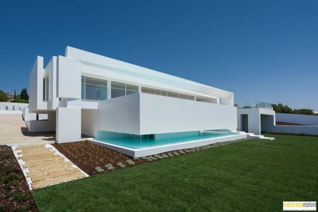 Thumbnail Detached house for sale in Lagos, Luz, Lagos