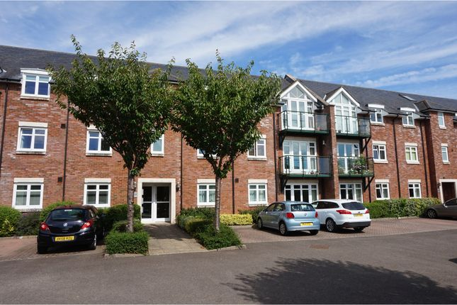 Thumbnail Flat for sale in Broyle Road, Chichester