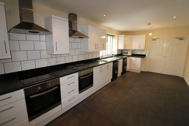 Thumbnail Property to rent in Richmond Road, Roath, Cardiff