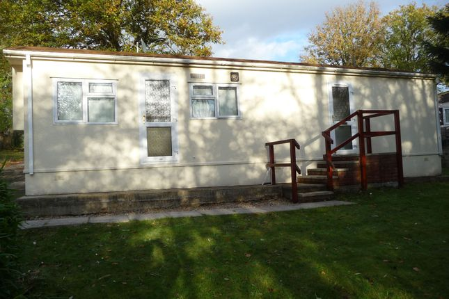2 Bed Mobile Park Home To Rent In Flexford Close Chandlers Ford Eastleigh