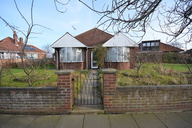 Thumbnail Detached bungalow to rent in Victoria Road, Gorleston, Norfolk