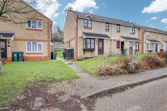 Thumbnail Property to rent in Lyon Close, Maidenbower, Crawley