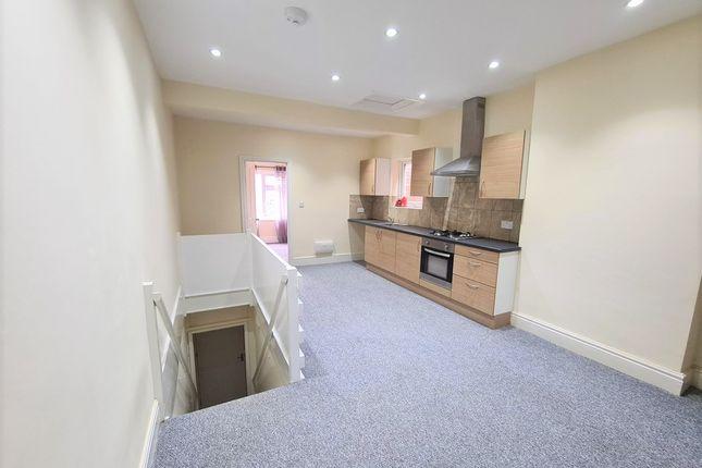 Thumbnail Flat to rent in Trinity Lane, Hinckley