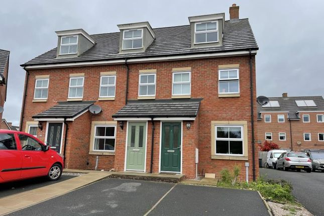3 bed terraced house to rent in Farneside Close, Carlisle CA1