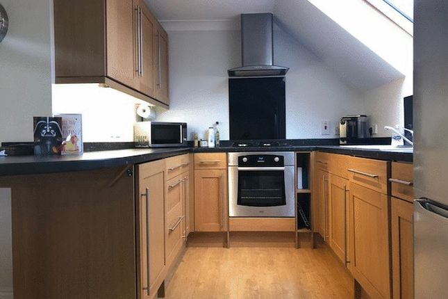 Thumbnail Room to rent in Godstone Road, Whyteleafe