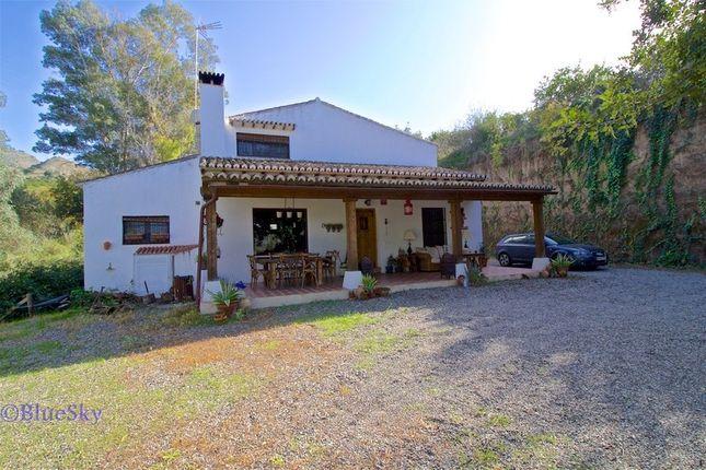3 bed country house for sale in Pizarra, Málaga, Spain