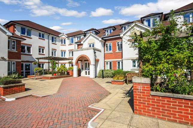 1 bed property for sale in Manton Court, Kings Road, Horsham RH13